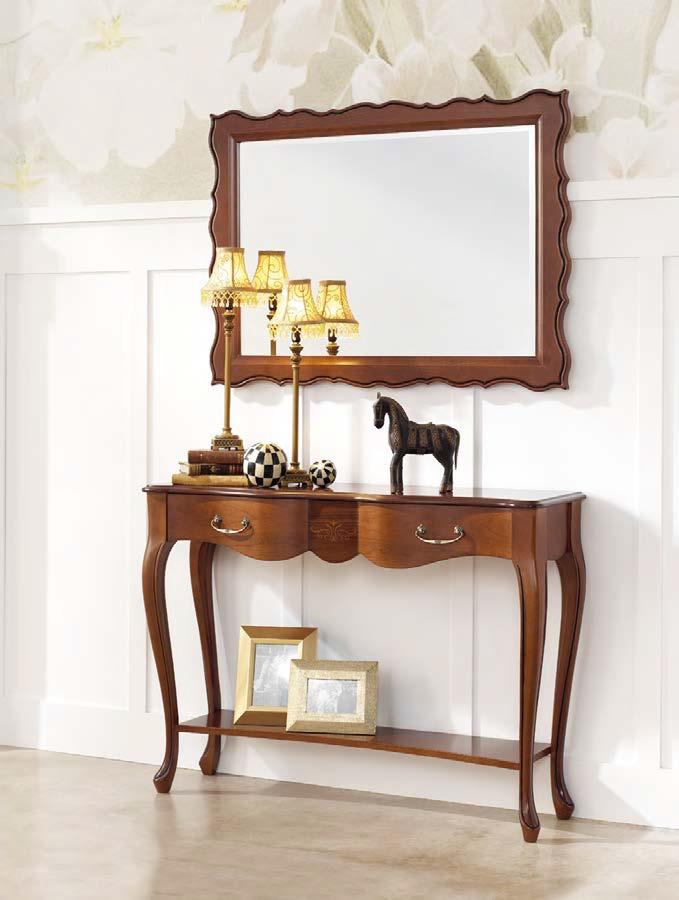Rustikálny konzolový stolík v predsieni v klasickom štýle