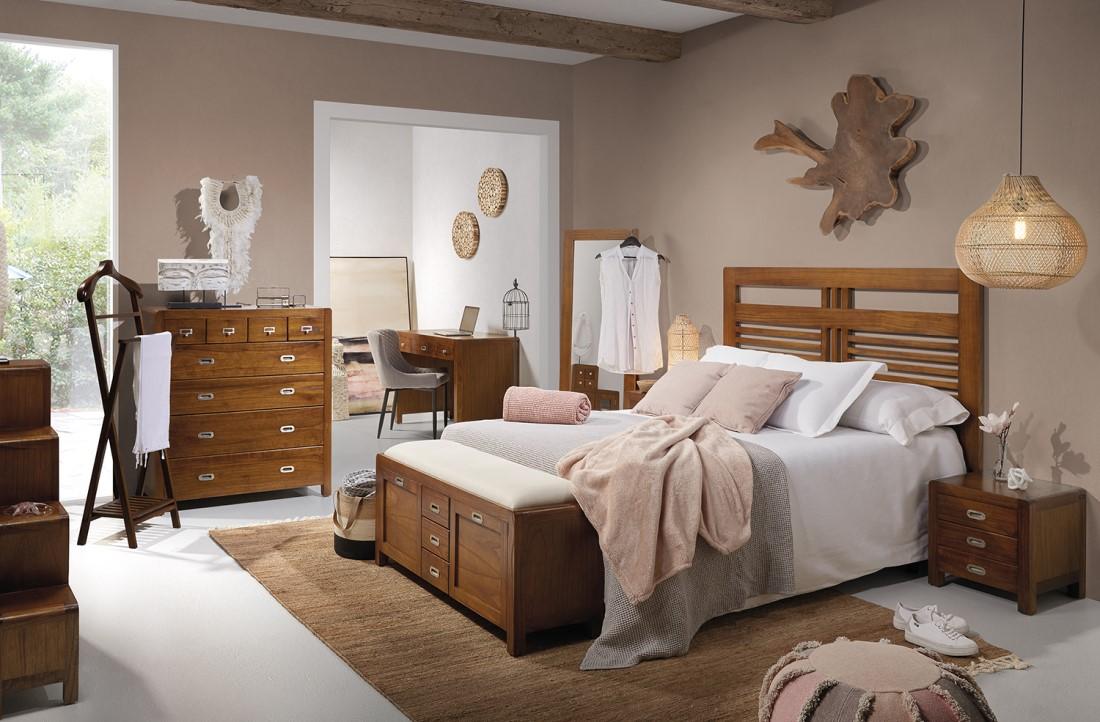 Luxusný nábytok do spálne z masívneho dreva hnedej farby FLASH